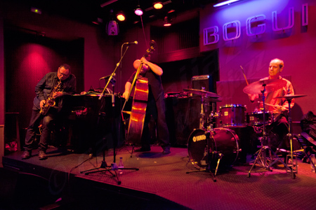 Gilad atzmon trio 31 x 2012 bogui jazz madrid for Conciertos jazz madrid
