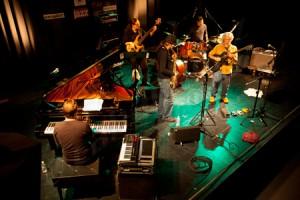 """Juan Camacho Quinteto. """"La universalidad del jazz fuente de renovación y futuro"""". 19º Ciclo Jazz es Primavera-II Festival Eurojazz 2011. Ellas crean. C.M.U. San Juan Evangelista (Madrid)."""