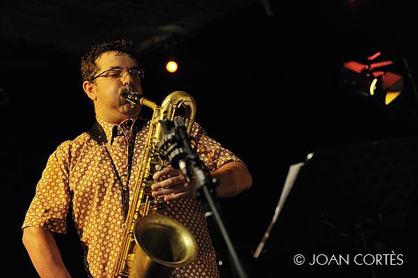 11_LUIS VINA (©Joan Cortès)_17jul13_#1Têtes de Jazz!_Avignon