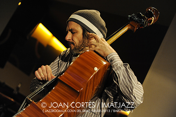 IMJ003_FRED LONBERG-HOLM(©JoanCortès)_Ballister_28feb13_JazzRoom-La Cova del Drac_ArcoyFlecha_Bcn