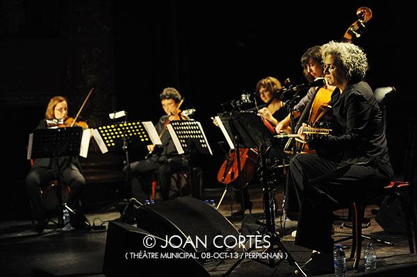 05_KAMILYA JUBRAN & SARAH MURCIA (©Joan Cortès)_08oct13_TMunicipal_25Jazzèbre_Perpinyà