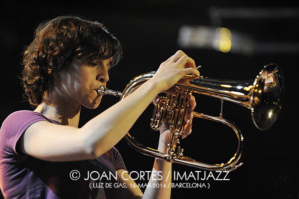 IMJ062_SUSANA SANTOS SILVA_Photo_by_Joan Cortes_Orquestra Jazz de Matosinhos_Jazz Composers Forum_16mar2014_Luz de Gas_Barcelona