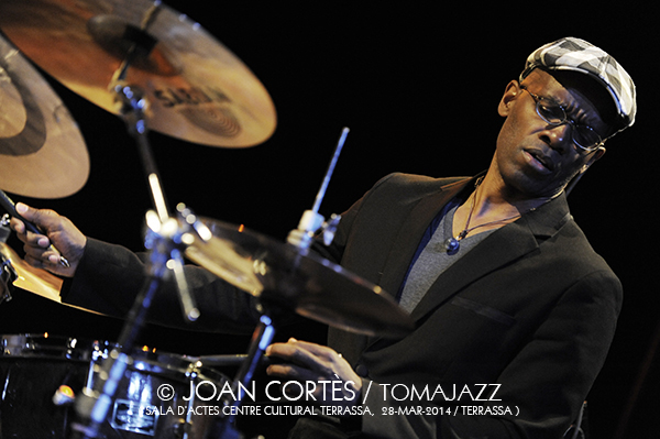16_BILL FRISELL Trio + PSambeat (©Joan Cortès)_28mar14_Centre Cultural Terrassa_33FJazzTerrassa