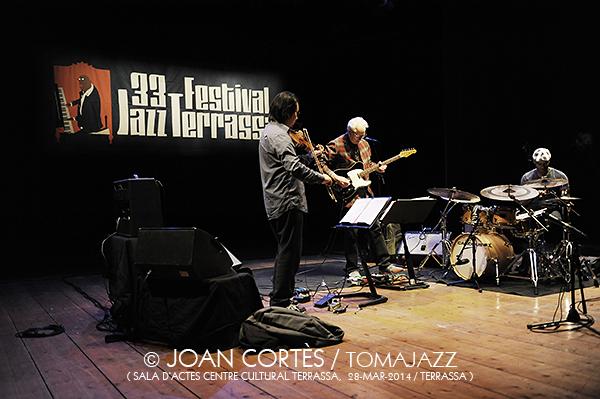 18_BILL FRISELL Trio + PSambeat (©Joan Cortès)_28mar14_Centre Cultural Terrassa_33FJazzTerrassa