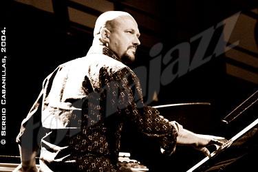 Bojan Z 14 de noviembre de 2004 Club de música y jazz, San Juan Evangelista. Madrid, España  © Sergio Cabanillas, 2004