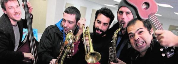 Jazz andaluz, ilusión, alegría y perseverancia , con Tete Leal, Ernesto Aurignac, Julián Sánchez, Enrique Oliver y Carlos Cortés