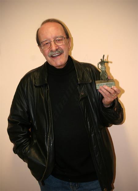 """""""Cifu"""" con su premio 25 Aniversario del Club de Música y Jazz San Juan Evangelista, 16/04/2008 © Sergio Cabanillas, 2008"""