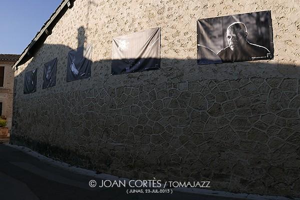 07_Expo carrer Junas (©Joan Cortès).