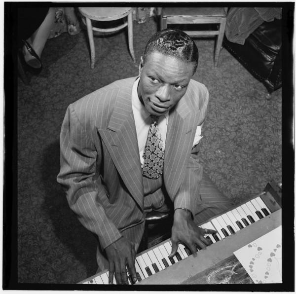 (Portrait_of_Nat_King_Cole,_New_York,_N.Y.,_ca._June_1947)_(LOC)_(4843738572)